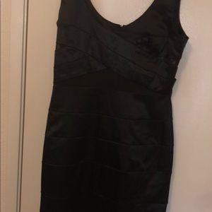 Dresses & Skirts - Cocktail dress ❤️🖤